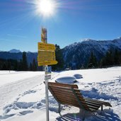 wegweiser six senses weg winter hoeg see